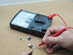 Analoges Multimeter