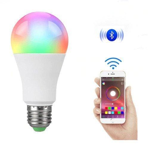 Intelligente Beleuchtung im Haushalt spart Energie.
