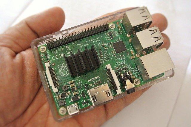 Ein Raspberry PI Microcontroller ist ein integriertes System.