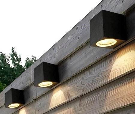 Wasserfeste LED Lampen können zur Außenbeleuchtung genutzt werden.